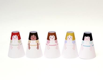 02. Бумажные куклы с одеждой