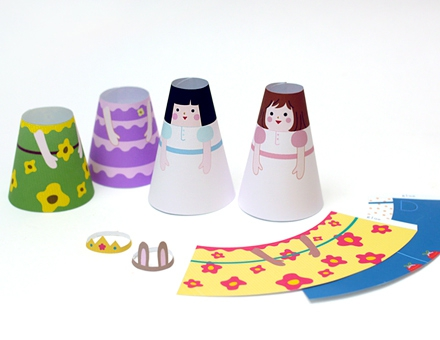 03. Бумажные куклы с одеждой