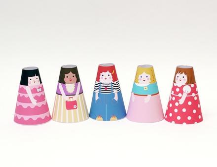 04. Бумажные куклы с одеждой