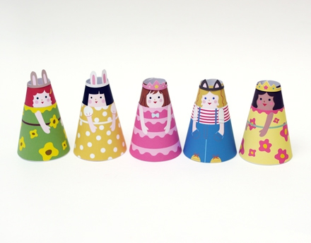 05. Бумажные куклы с одеждой