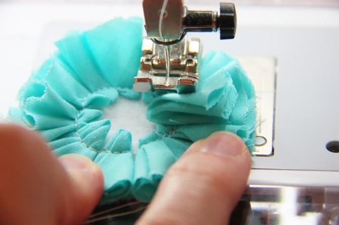 16. Как сделать цветы из ткани