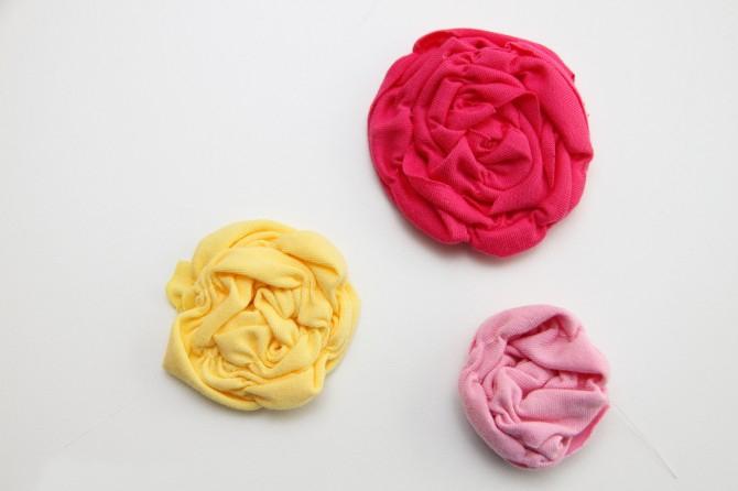 Как сделать заколку для волос с гофрированными цветами