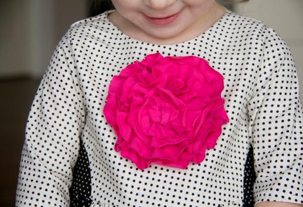 05. Как сделать цветы из ткани за несколько минут