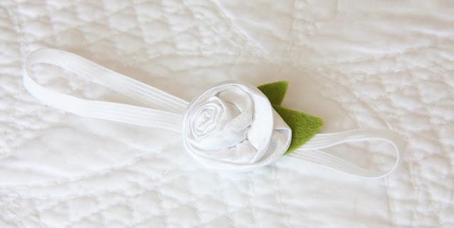 05. Крестильный набор - как сделать из ткани цветы