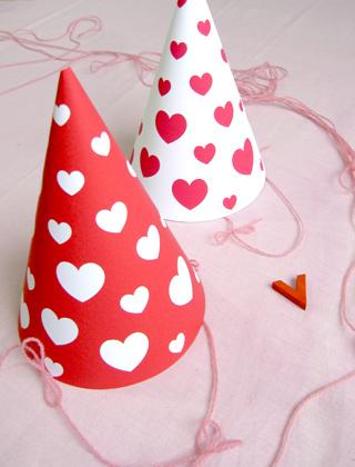 01. День Святого Валентина: праздничный колпак из бумаги