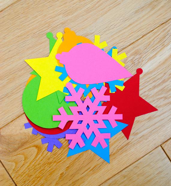 02. Новогодние игрушки из бумаги для самых маленьких