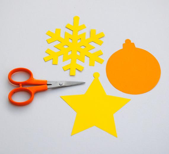 04. Новогодние игрушки из бумаги для самых маленьких
