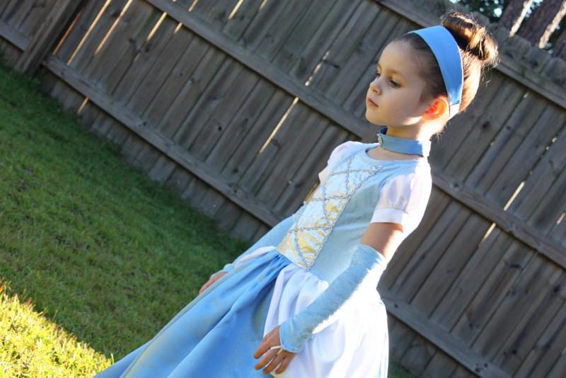 Карнавальный костюм своими руками: аксессуары к платью Золушки - photo#1
